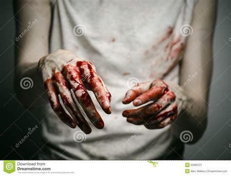 imagenes terrorificas sangrientas asesino solitario del tema sangriento el asesino muestra