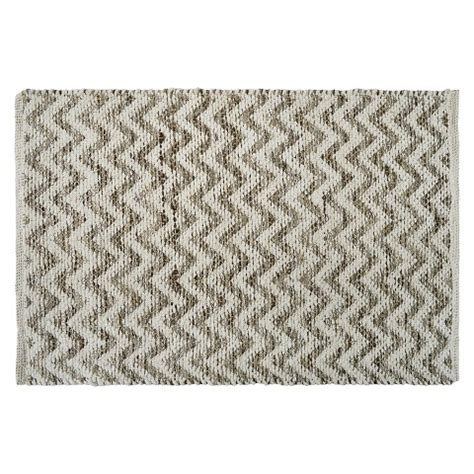threshold brand rugs threshold chevron rug brown 2 x3 target