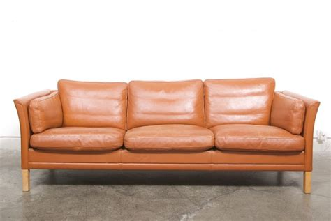 chase couch leather sofa by mogens hansen chase sorensen alley cat