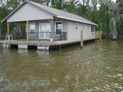build a house boat 1000 ideas about pontoon houseboat on pinterest houseboats floating homes and