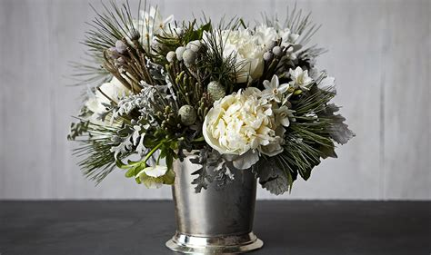 love flower arrangements this beauty in 4 steps