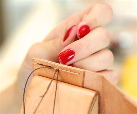 How To Make A Leather by How To Saddle Stitch Leather