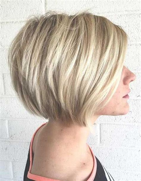 hairstyles blunt stacked 25 best ideas about medium stacked haircuts on pinterest