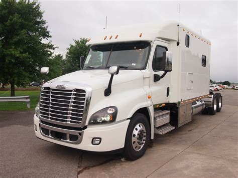 Sleeper Rb by 2017 Freightliner Cascadia With 144 Inch Ari Legacy Ii Rb