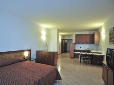 appartamenti arredati appartamento arredato per residenza temporanea a negrar