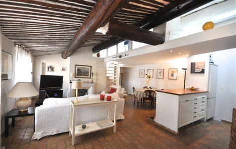 bel appartement meuble avec terrasse aix 3 chambres et