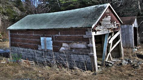 Dilapidated Shed dilapidated shed by everythingerika on deviantart