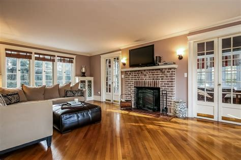 Nice Pictures Of Living Rooms With Hardwood Floors