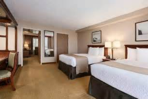 hotel suites with 2 bedrooms book embassy suites san francisco airport south san