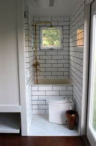 Tiny House Bathrooms by 25 Best Ideas About House On Wheels On Pinterest Tiny