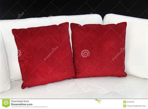 dormire con due cuscini cuscini platecolorado