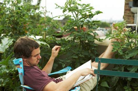 arredare piccolo terrazzo arredare un terrazzo piccolo con piante e mobili