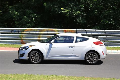 the new hyundai veloster 2018 hyundai veloster spied could get independent rear