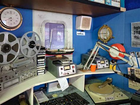 Lu Philips Motor Vixion pirate radio in the uk a retrospective saga