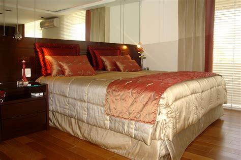colchas y cortinas modernas dormitorio de nia con telas