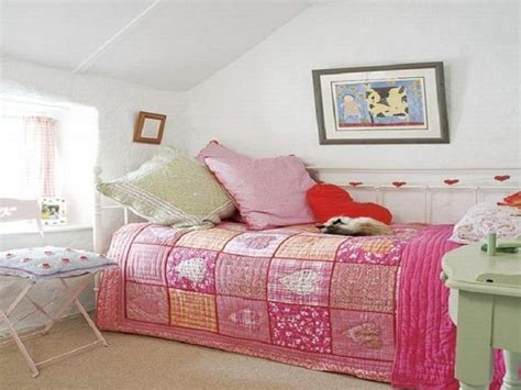 small pink bedroom ideas bloombety small girls pink bedroom decorating ideas