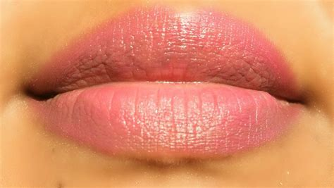 Colour Lip Liner Oriflame lip liner oriflame me lip crayon fuchsia review