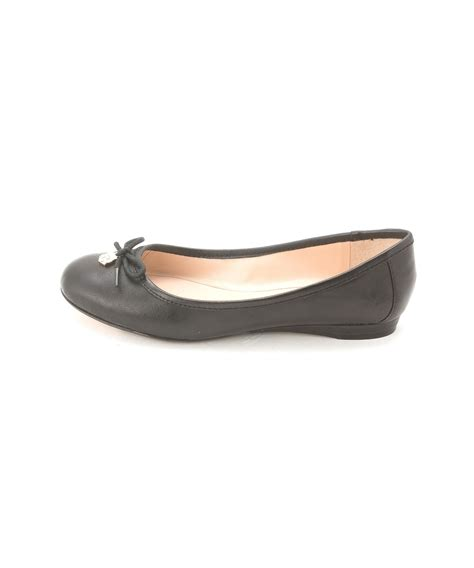 vince camuto shoes flats vince camuto s ria bow ballet flats in black lyst