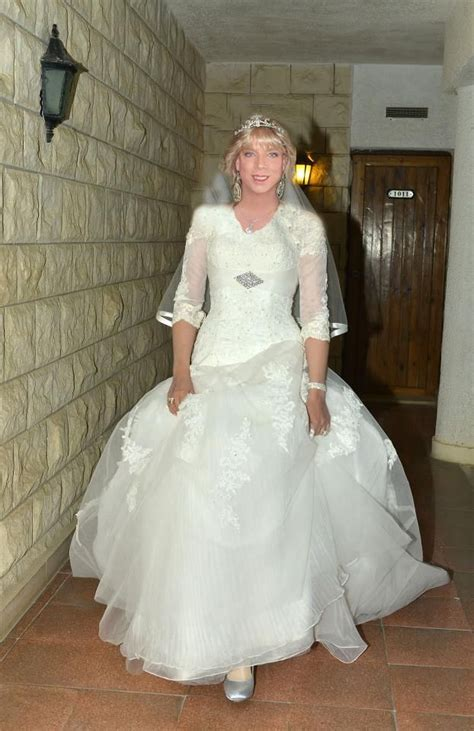 male femininity and gender role reversal blogspotcom bridesmaid male femininity and gender role reversal may 2013 male