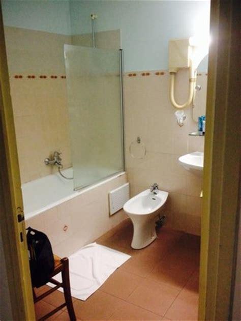Attrayant Corniche Salle De Bain #5: salle-de-bain-avec-wc.jpg