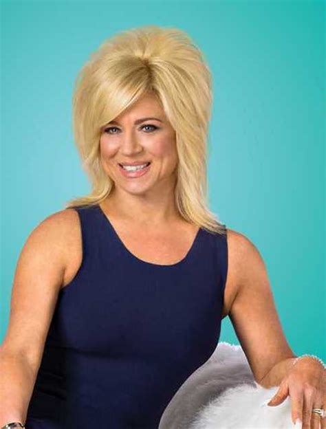 how tall is theresa caputo theresa caputo measurements theresa caputo body