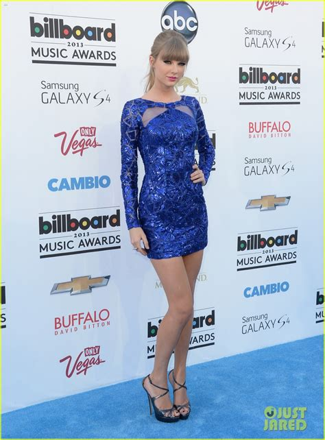 Taylor Carpet Tools by Taylor Swift In Zuhair Murad Billboard Music Awards 2013