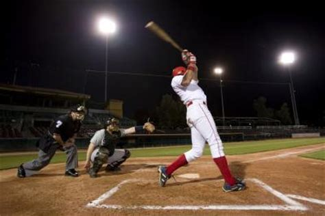 how to swing a baseball bat step by step how to swing a baseball bat faster to hit farther