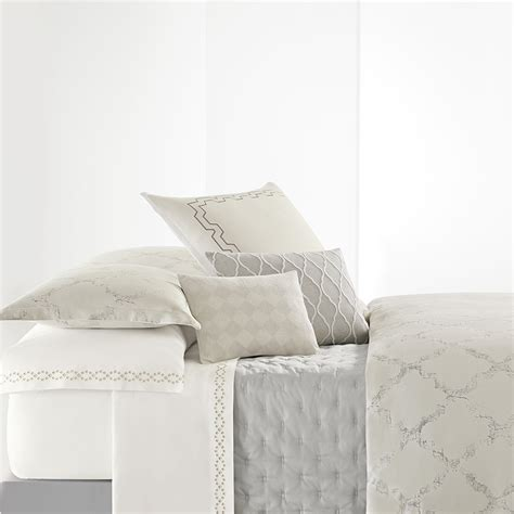 Vera Wang Quilt Cover by Vera Wang Fretwork Duvet Cover From Beddingstyle