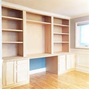 Bookshelves And Desk Built In Best 25 Built In Desk Ideas On Pinterest Small Home