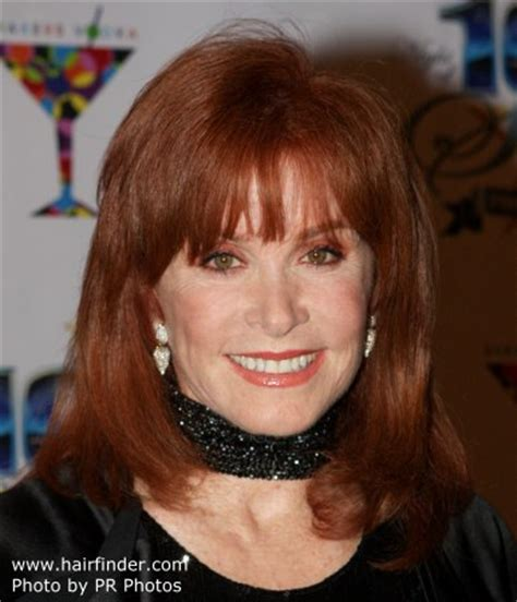 stephanie powers hair cut from hart to hart tv stefanie powers with red colored hair and spacey bangs
