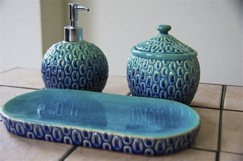 peacock bathroom decor