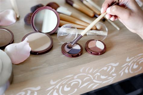 Mineral Makeup A Whole Foods Near You by Whole Foods Mineral Fusion Mineral Eye Shadow Trio Density