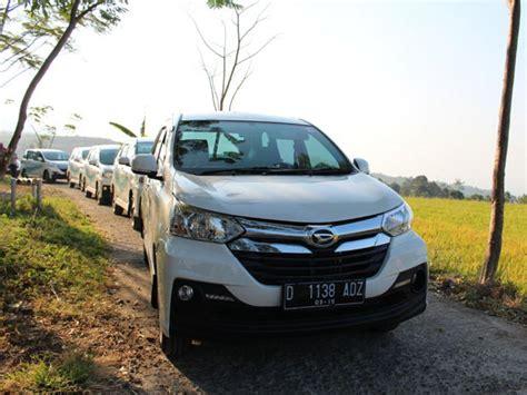 Kasur Mobil Xenia berlimpahnya bagasi daihatsu xenia mobil123 portal