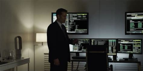 gavin house of cards gavin orsay s sweet hacker setup from house of cards i spy a dyson bladeless hot fan