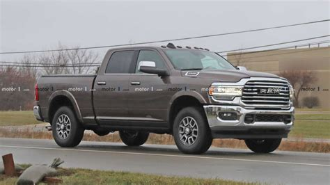 ram hd pickup convoy spied completely uncovered