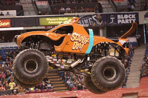 scooby doo monster truck video meet the monster jam manila trucks for 2016 philippine