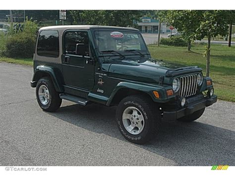 Forest Green Jeep 2001 Forest Green Jeep Wrangler 4x4 52201091