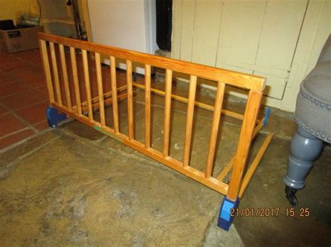 diy bed rail toddler bed guard rail diy home design ideas
