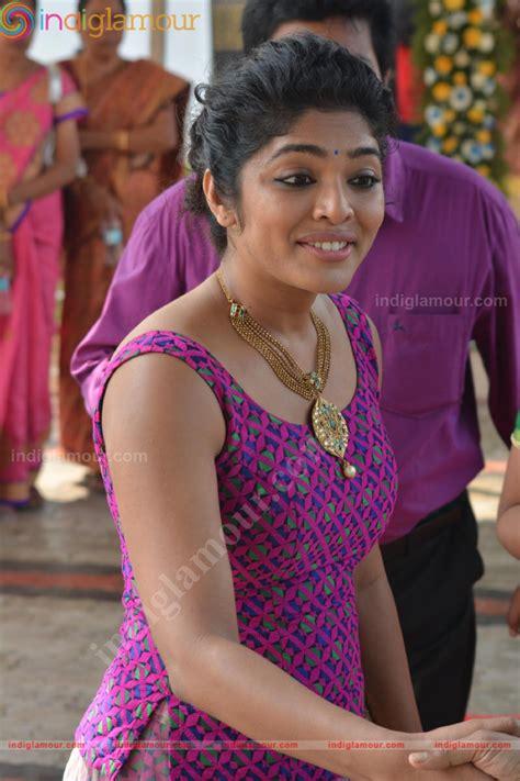 marriage stills rima kallingal at archana kavi marriage stills