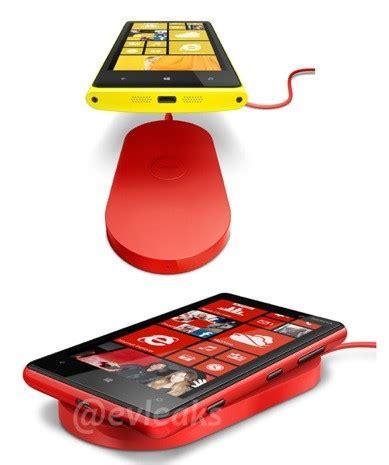 Wireless Charge Standing Original Bnib nokia lumia 920 wireless charging pad poses for snapshot