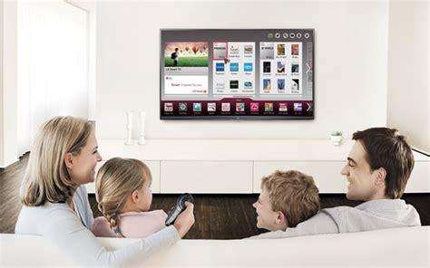 imagenes de la familia viendo tv 3 formas digitalmente divertidas para pasar el rato con