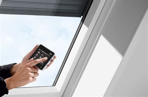 Velux Rollladen Einbau by Velux Integra Elektro Rollladen Sml Wohndachfenster
