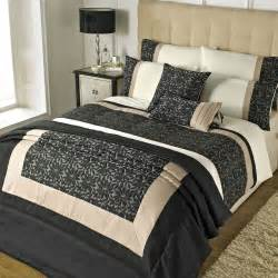 Synthetic Comforter Riva Home Elise Bedding Set In Black And Gold Beddingworld