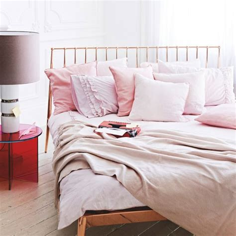 pale pink bedrooms choose pale pink shades cosy bedroom decorating ideas