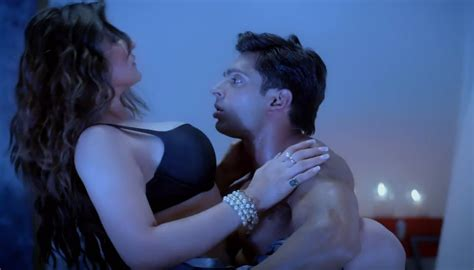 biography of movie hate story 3 hate story 3 zareen khan karan singh hot scene 2 kriti