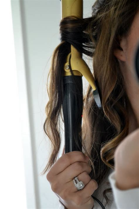 Ways To Do Your Hair After A Shower by How To Curl Your Hair Wavy Curls Style Miss Momma