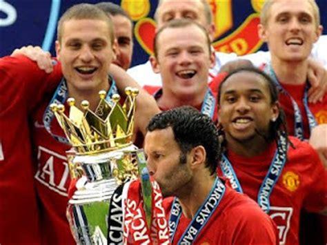 Kaos Logo Club As Roma Warna Putih manchester united manchester united f c biasa disingkat