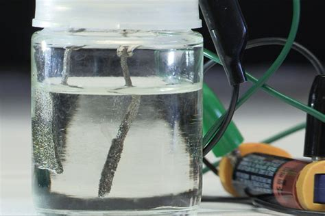 scientists  stanford develop water splitter  runs  ordinary aaa battery