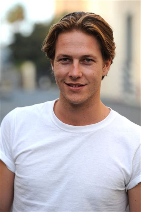 the best of me cast luke bracey pictures australians in present a