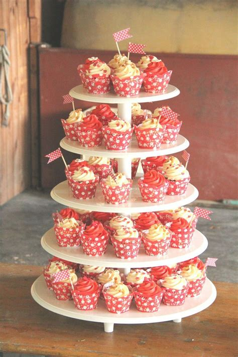 Hochzeitstorte 50er Jahre by Cupcakes Hochzeitstorte Wedding Cupcakes Tower Im 50er